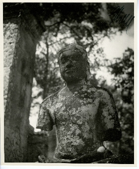 Germaine Krull – Buddhist Sculpture in Thailand and Cambodia